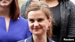 遇袭英国议会议员乔•考克斯在西敏寺 (2015年5月12日)