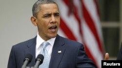 Barack Obama le saca una ventaja a Romney entre los hispanos de 67 frente a 27%.