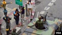 士兵把守曼谷商業區