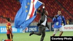 Lúcio Antunes festeja a vitória contra Angola