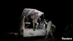 巴基斯坦安全部隊趕到警察訓練營地外