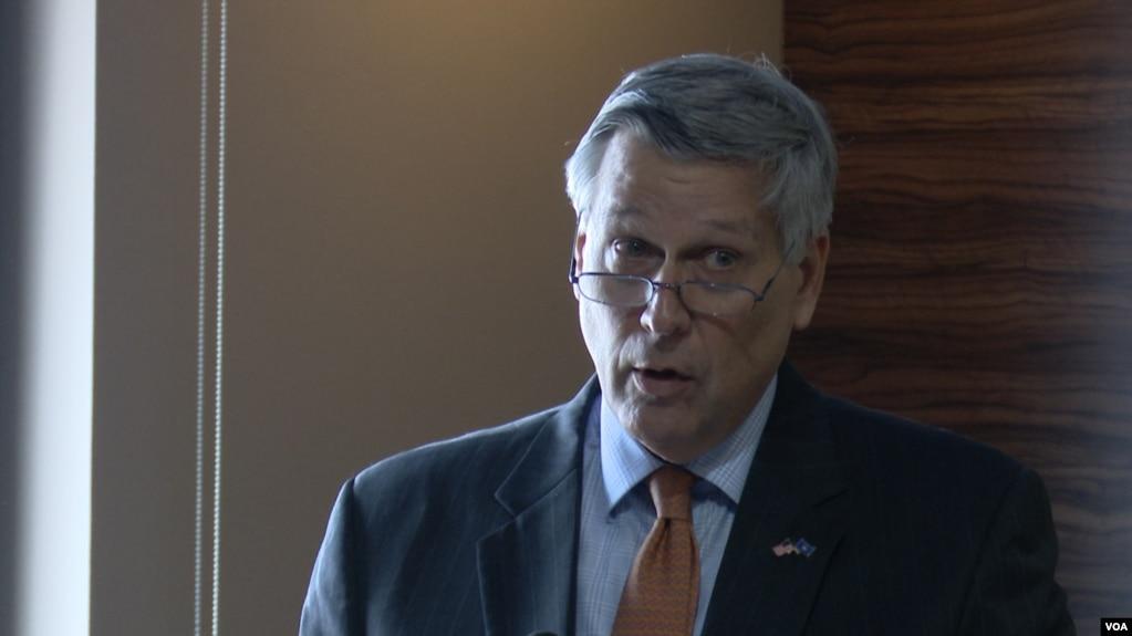 Kosnett: Të dënuarit për krime lufte nuk kanë vend në qeverinë e Kosovës