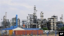 Newly inaugurated Guru Gobind Singh Refinery near Bathinda in the northern Indian state of Punjab, April 28, 2012, file photo.