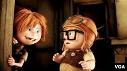Sejak kecil, Carl (kanan) dan istrinya sudah bercita-cita berpetualang ke Paradise Falls.