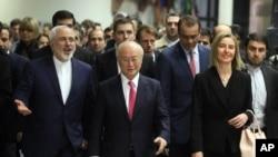 از راست فدریکا موگرینی، یوکیا آمانو و ظریف در روز اجرای رسمی توافق هسته ای