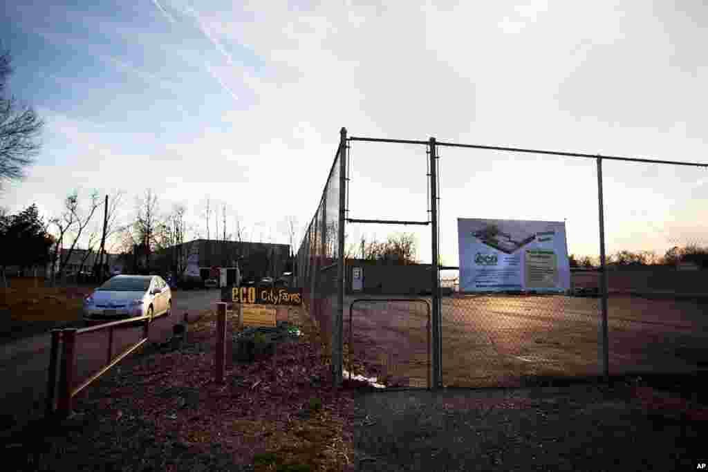 Nông trại EcoCity tọa lạc tại Edmonston, một khu vực phần lớn là công nghiệp tại đông bắc Washington. (Alison Klein/VOA)