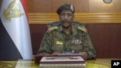 Sudan'da yönetimdeki Ordu Konseyi'nin başındaki isim General Abdülfettah El Burhan devlet televizyonunda yaptığı konuşmada müzakere çağrısında bulundu