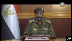Luteni Jenerali Abdel-Fattah Burhan, mkuu wa baraza la jeshi la muda- TMC akizungumza mjini Khartoum, Sudan, Juni 4, 2019.