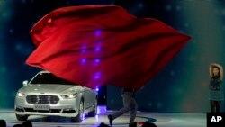 美国福特汽车2015年4月在上海一个车展展出。