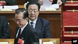 中国总理温家宝和前重庆市委书记薄熙来3月早些时候在北京两会的会场上(资料照片)