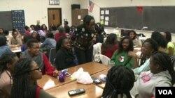 College Students Mentoring Students in Imara Roose Program