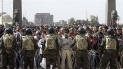 وزارت کشور می گوید ۳۷ پلیس که به کشتن معترضان در جریان قیام علیه حسنی مبارک متهم هستند، از جمله کسانی هستند که اخراج می شوند