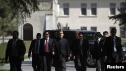 Predsednik Avganistana, Hamid Karzai stiže na konferenciju za štampu