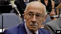 El exdictador argentino Jorge Rafael Videla cumplía condena de cadena perpetua, por implementar un plan de robo de bebés durante la guerra sucia argentina.