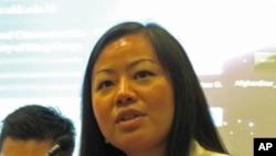 蒋敏认为中国网络其实就像《新闻联播》
