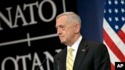 美国防长马蒂斯在2月16日的北约会议上。