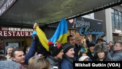 Владимир Кличко в окружении сторонников в Нью-Йорке