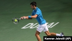 Novak Đoković u meču 1. kola turnira u Dubaiju protiv Španca Tomija Robreda