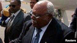 L'ancien président Girma Woldegiorgis à l'aéroport de Sanna, le 13 février 2007.