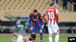 Lionel Messi (au centre).