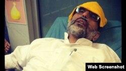 مهدی خزعلی در بیمارستان در یکی از دفعاتی که در زندان اعتصاب غذا کرده بود