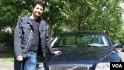 Eric Loebel, de Oregon, está dispuesto a alquilar su coche privado a terceros para hacer algo de dinero.
