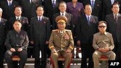 Північна Корея оприлюднила фотографію наступника Кім Чен Іра