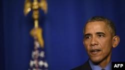 2015年12月1日,美国总统奥巴马在巴黎的经合组织(OECD)的一场新闻发布会上讲话。