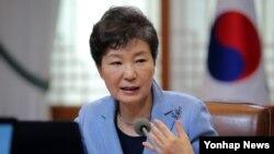 뉴스 포커스: 박 대통령 남북 회담 촉구, 유엔 북한인권 결의안