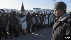 В Казахстане участники демонстрации потребовали вывести войска из города