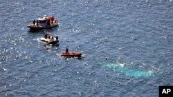Береговая охрана Турции ведет поиск людей с потерпевшего крушение судна с мигрантами.