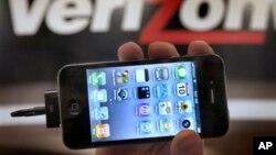 Sebuah iPhone 4G di toko Verizon, di Beachwood, Ohio, Februari 2011. (Foto:Dok)
