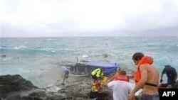 Рятувальні заходи на березі Острова Різдва (Австралія)