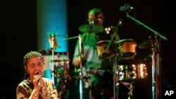 Cesária Évora num concerto em Chipre