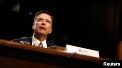 前联邦调查局局长科米就俄罗斯干预美国总统大选的指控在参议院情报委员会作证(2017年6月8日)