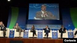 El panel del Banco Mundial reunió a líderes, ejecutivos y jóvenes emprendedores, quienes analizaron el rol de los empresarios y la juventud en el fomento del desarrollo en todo el mundo.