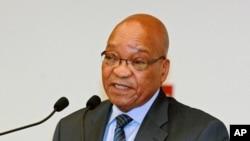 Le président Jacob Zuma a fait escale mercredi en Angola