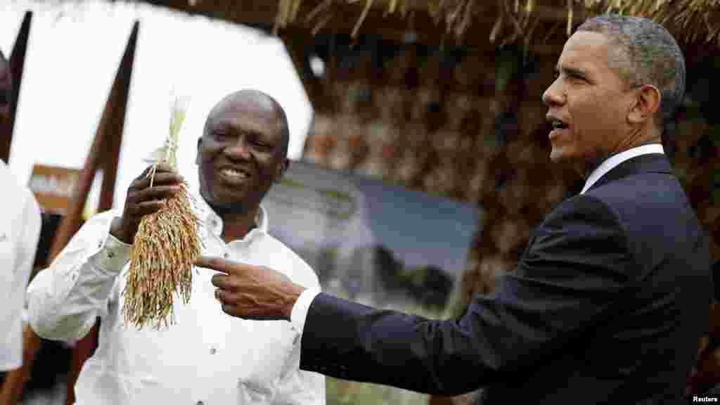 U.S. President Barack Obama visits a food security expo in Dakar, Senegal, June 28, 2013.