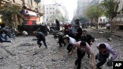 Egipto: Militares nomeiam 1º ministro à revelia dos manifestantes