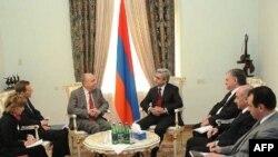 Azerbaycan ve Ermenistan Arasında Savaş Çanları