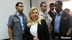 Sara Netanyahu, istri Perdana Menteri Israel Benjamin Netanyahu, tiba di pengadilan untuk sidang kasus penyalahgunaan dana negara di Yerusalem, 16 Juni 2019.