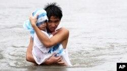 Muguwar guguwa da ruwa sun hallaka mutane a Philipines