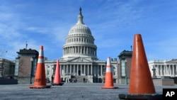 Una sorpresiva intervención del republicano por Kentucky, Rand Paul en el pleno del Senado pidiendo un debate sobre el acuerdo de presupuesto acordado en el Senado esta semana, tiene al gobierno de EEUU a punto de un segundo cierre de operaciones.