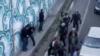 تصویری از درگیری ماموران با معترضان در تبریز