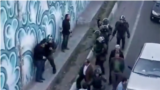 تصویری از حمله ماموران به معترضان در تبریز