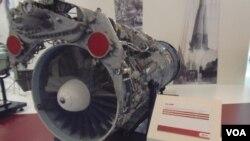 资料照:2015年6月莫斯科武器展览上的AL-31F 引擎,中国从俄罗斯大量购买这种引擎,用来装备在中国的歼-10,苏-30/27战机上(美国之音白桦)。