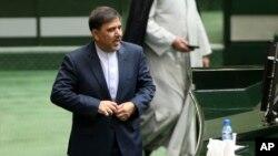 압바스 아쿤디 이란 교통부 장관. (자료사진)