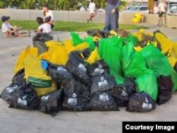 Kantong-kantong belanja produksi SainBag yang ramah lingkungan (foto: courtesy).