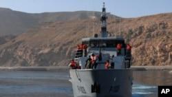 A Yemeni navy ship off the country's coast (file photo)