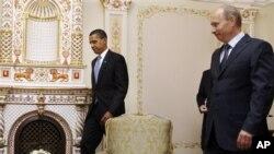 Барак Обама и Владимир Путин (архивное фото)